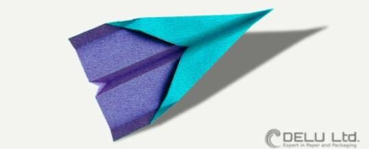 Anleitung um einen perfekten Düsenjet Papierflieger zu falten
