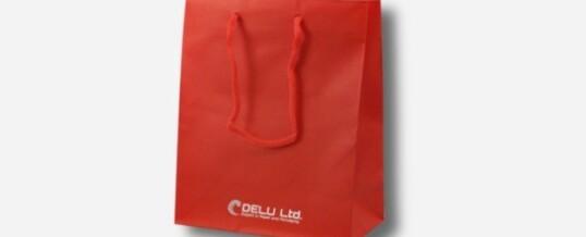Bolsa de papel en color único más logotipo – Mate rojo