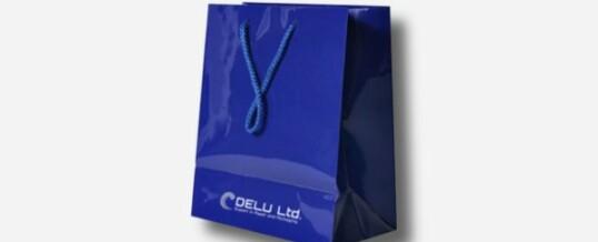 Bolsa de papel en color único más logotipo – Brillante azul