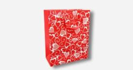 Bolsa de papel con corazones
