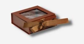 Caja para la foto con ventana ; Marrón