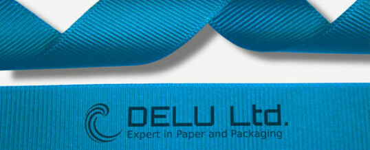 天蓝色横纹缎带