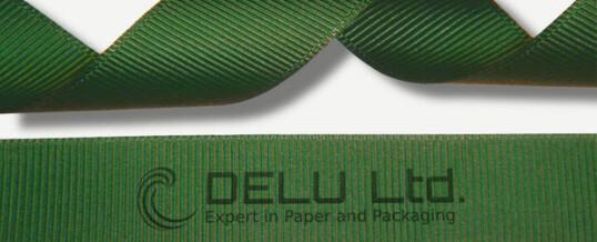 深绿色横纹缎带
